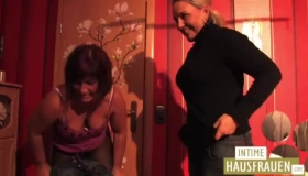 Lesbos Give Eachother Pussy Massage