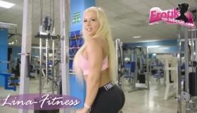 Blonde Girlfriend In POV Cuckold Threesome Action