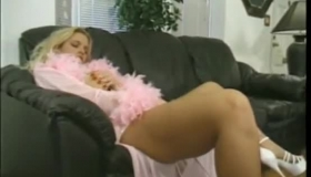 Plump Blonde Puts On Her Best Fisting Sex Show