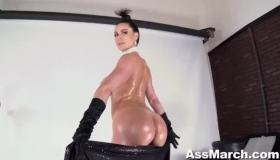 Hot MILF With Compaticion African Threesome Punishment