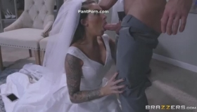 Juelz Ventura And Spicy Jap Girl Toying On The Toilet