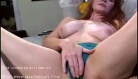 Horny Golden Hottie Sucking On Dick By Her Felix