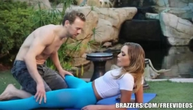 Mia Malkova Likes To Demonstrate Her Perfect Pussy, While A Horny, Bald Guy Is Drilling It