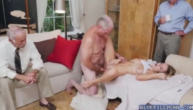 Young Blonde Teen Loves Getting Her Pussy Fisted