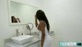 The Slutty Lola Mendez Gets So Horny She Gets Shemale