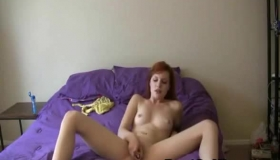 Teen Babe Offering Her Dripping Wet Pussy