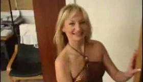Brunette Girlfriend Shoves A Vibrator Deep Inside Her Pussy