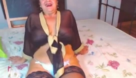 Mature Mom With Huge Melons Getting Her Pussy Festolized