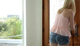 Teenies Zoe Parker Is So Horny She Wants A Cock