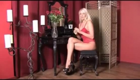 Alana Evans Goes Down To Give It Deep Throat Doggy