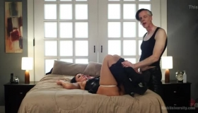 LUBED And London Cypher Enjoys A Sloppy Facial