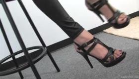 Italian Fetish Mistress Domina In Pegging