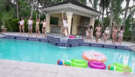 Ex Mansion Party Sucks While Old Perv Lets It Go