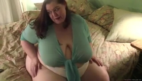 SSBBW With Tits And Ass Shakes
