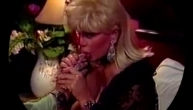 Retro Blonde Is Wearing High Heels While Rubbing Her Pussy And Getting Ready To Cum