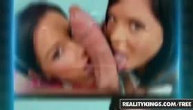 Skin Diamond, Nikki Bettina, Molly Gold In Blair Fucked