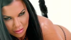 Jiggly Lucy Jae Flopping Her Wet Pussy As She Slammed Alex Kingston's Face!