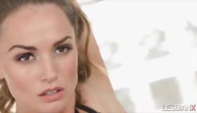 Anikka Albrite Fucked In Her Mouth 2 Cocks At The Same Time On Her Bed