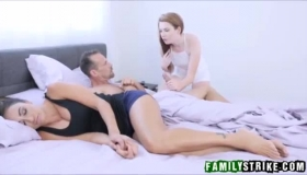 Karlie Brooks Squirting On Top Of The Sandys Man