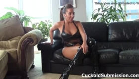 Richelle Ryan Is An Insatiable Brunette, Who Was Bonking In The Locker Room After Being Fucked